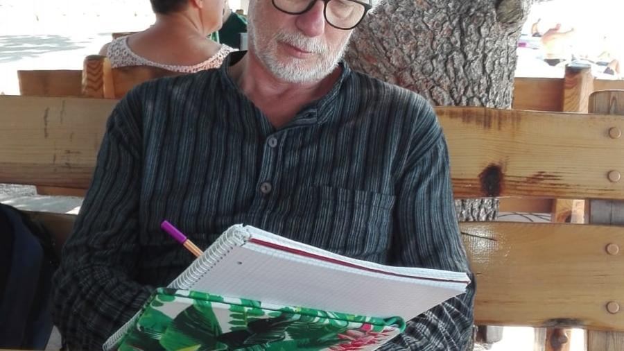 Zaostrog-schreibender-Autor-Flüchtlinge